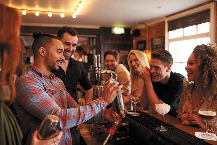 How Restaurants & Bars Can Appeal to the Millennial Generation