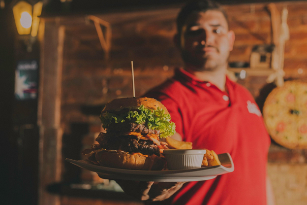 Opening a New Restaurant? These 4 Financial Aspects Can Help You Succeed